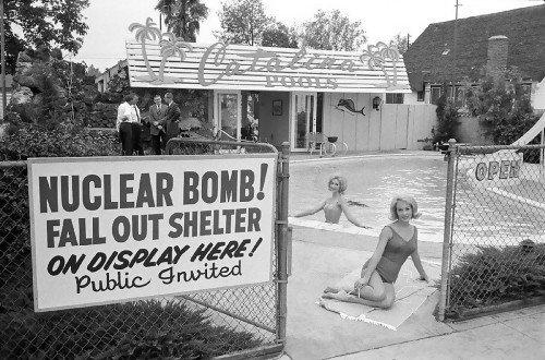 nuclear bomb fall out shelter 500x330 nuclear bomb fall out shelter