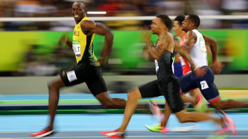 insane bolt looking back while winning 1024x576 insane bolt looking back while winning