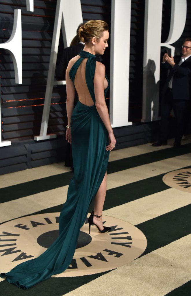 tCt8b3ol 661x1024 Brie Larson   2017 Vanity Fair Oscar Party