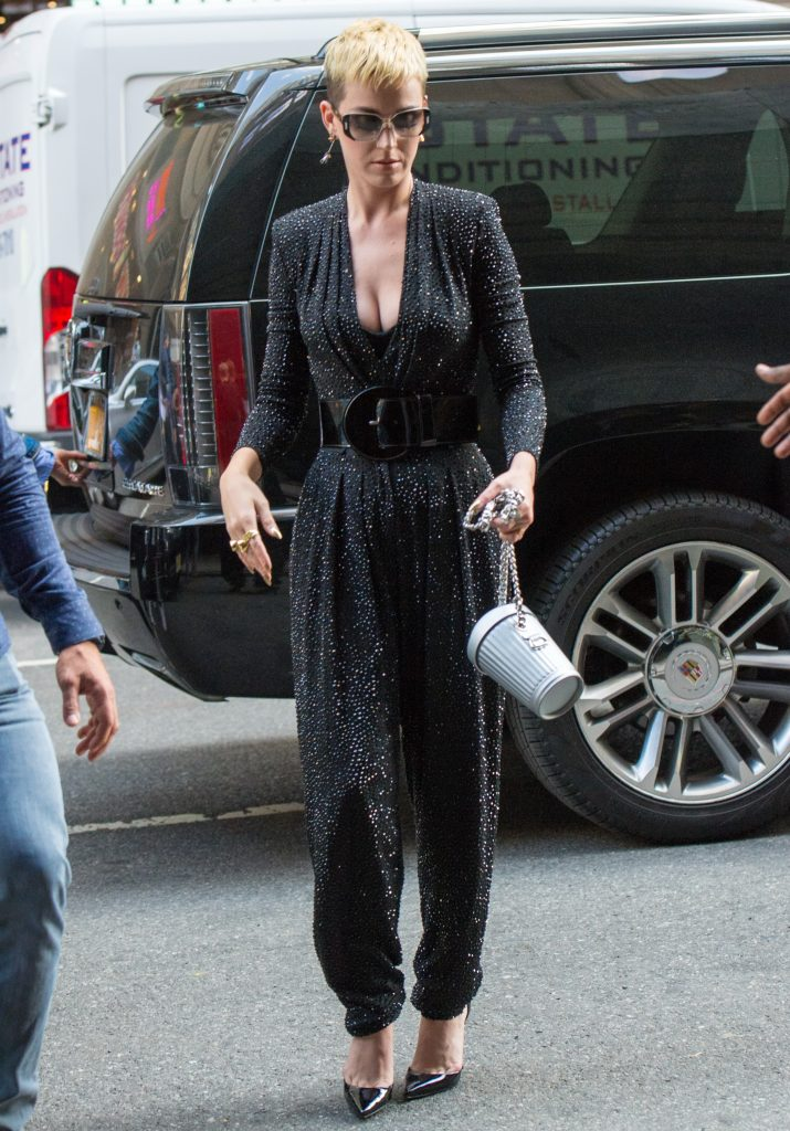 027 715x1024 Katy Perry   Out and About In New York   May 19 2017