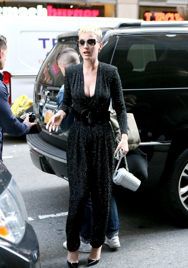 pkp006 75 718x1024 Katy Perry   Out and About In New York   May 19 2017