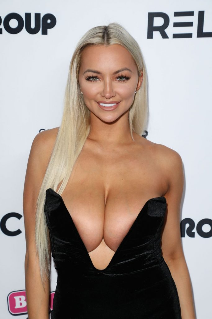 Lindsey Pelas – Babes in Toyland Pet Edition Fundraiser at the Avalon