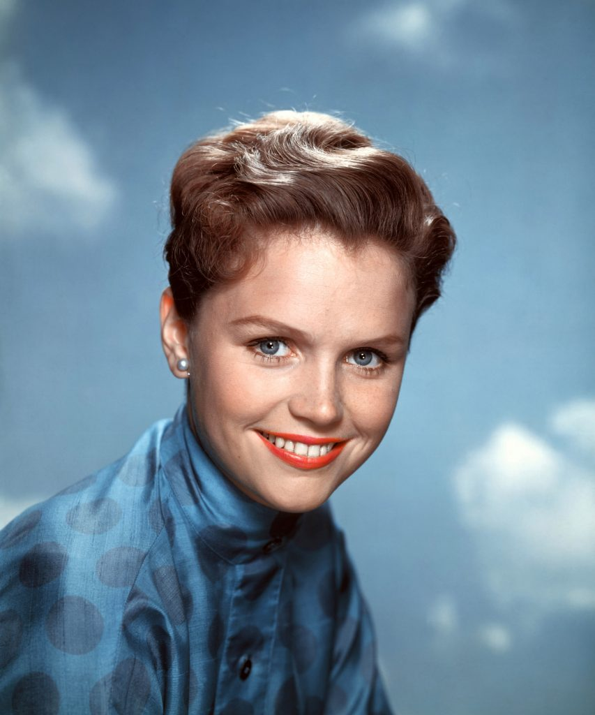 Lee Remick has a great smile