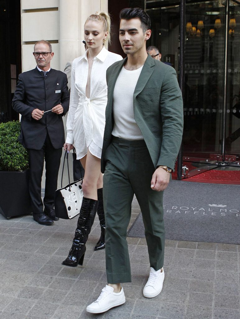 5c1a4c1261888324 771x1024 Sophie Turner   Out and about in Paris   62419